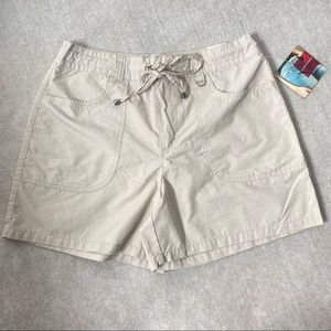 NWT Gloria Vanderbilt Khaki Tie Short Size 10